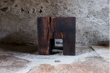 Skelly Cube Top Charred