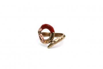 Empty lacquer circle ring